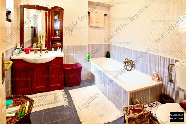 Apartment in brick building for sale, Budapest 6. district, 144 Mn HUF, 185 sqm